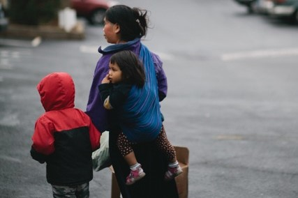 refugee woman with children